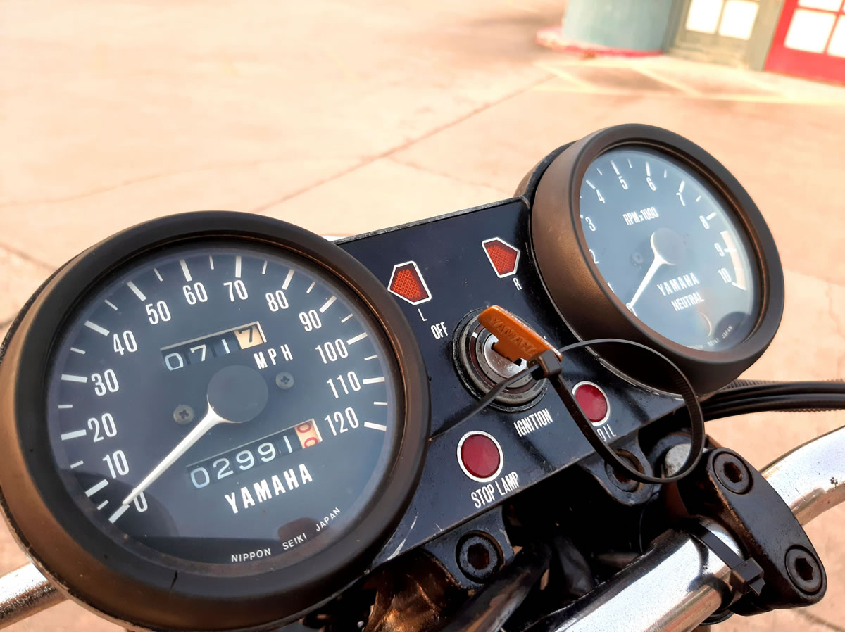 1975 Yamaha XS650 restoration - dashboard