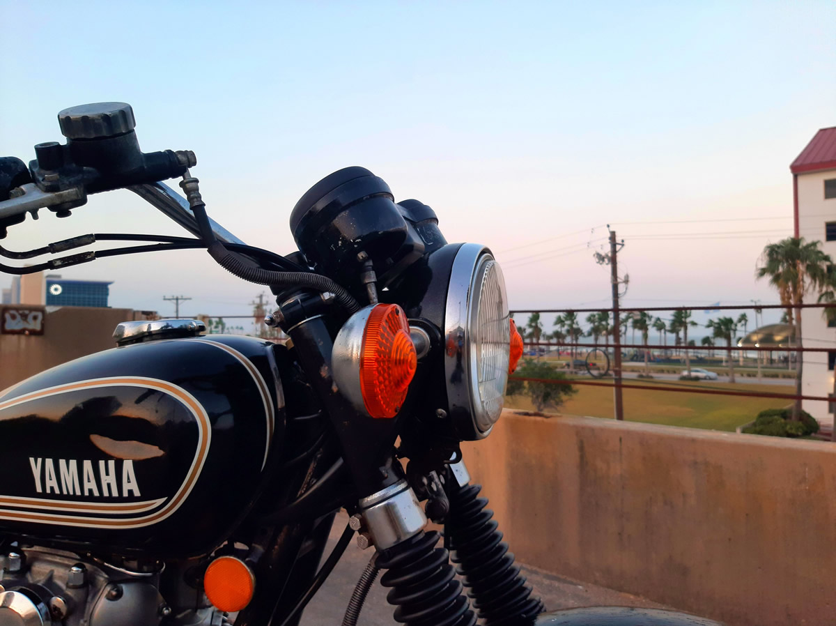 1975 Yamaha XS650 restoration - headlight