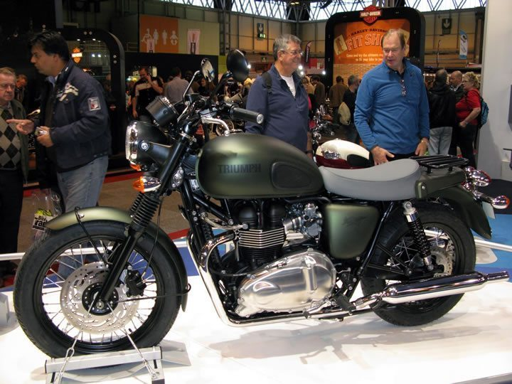 Triumph Bonneville Steve McQueen SE by big-ashb on FlickR | http://www.flickr.com/photos/big-ashb/6378982721