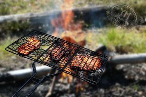 Motorcycle cooking grill
