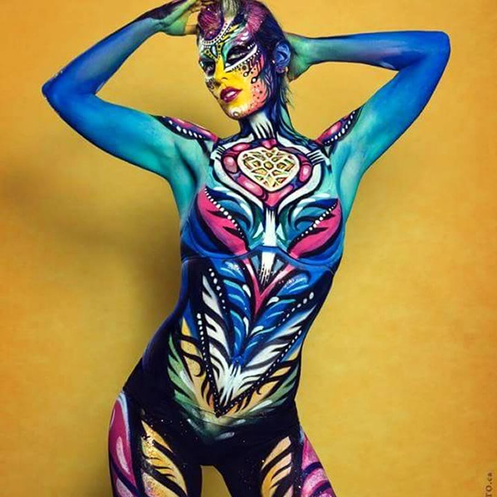 Angie Feret - body paint