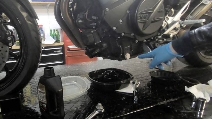 Clean and install drain plug and washer - BMW F800R Oil Change