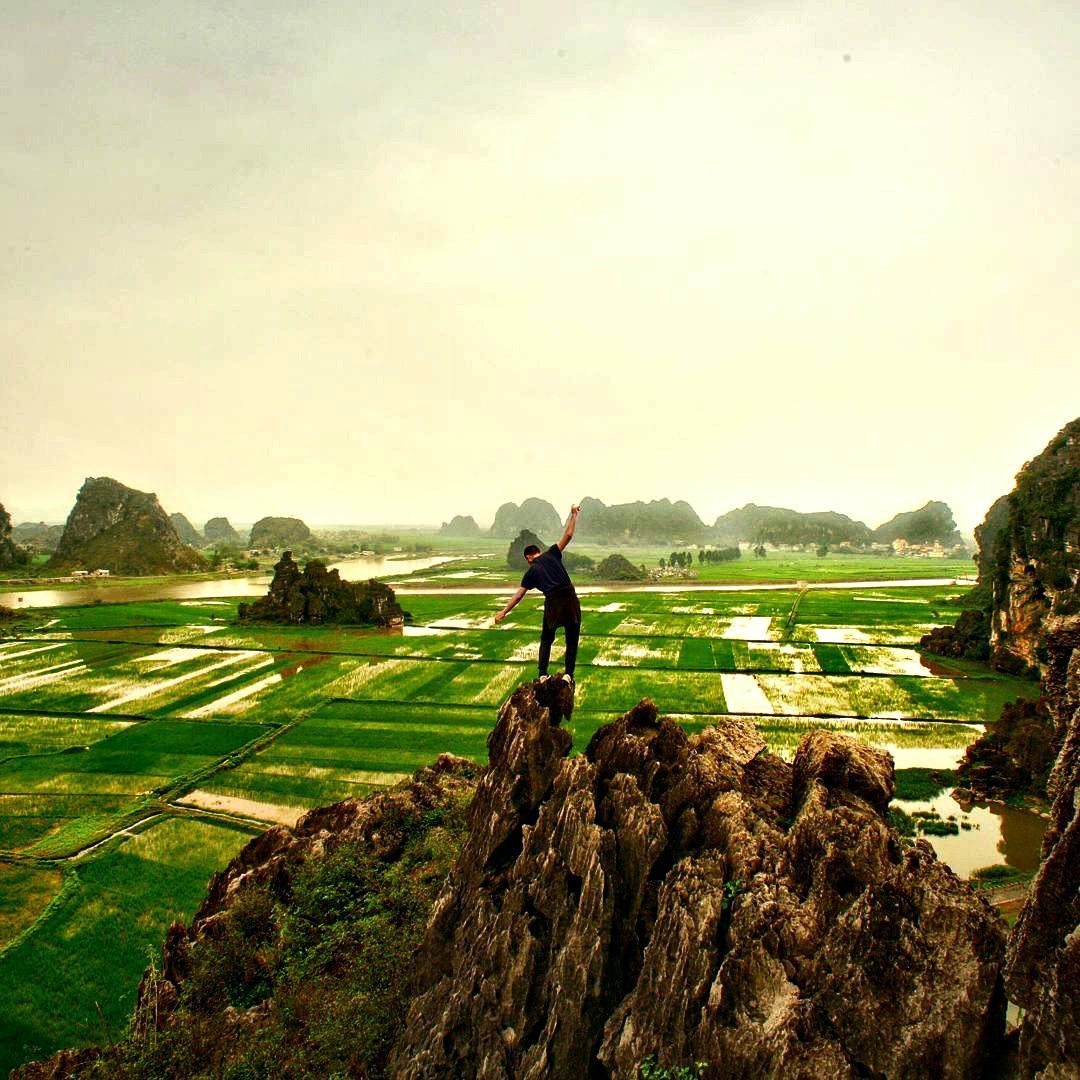 Exploring the wonderful area of Ninh Binh