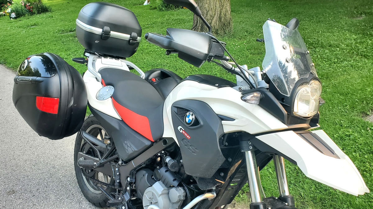 GIVI E41 hard cases installed on BMW 650GS
