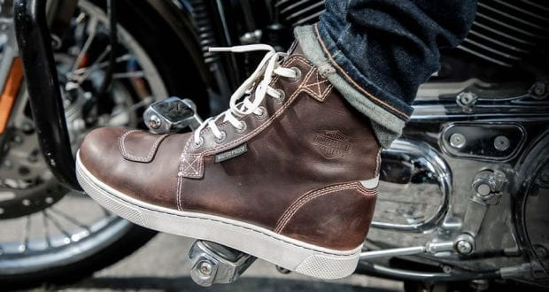 How to Buy Motorcycle Boots