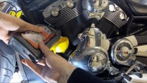 How to an oil change on a Harley-Davidson V-Rod - new oil