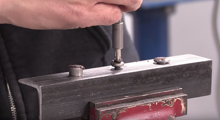 How to extracting rounded screw heads with valve grinding paste
