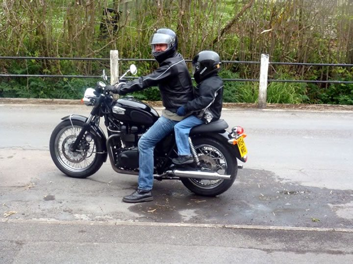 kevin s 2004 triumph bonneville review youmotorcycle