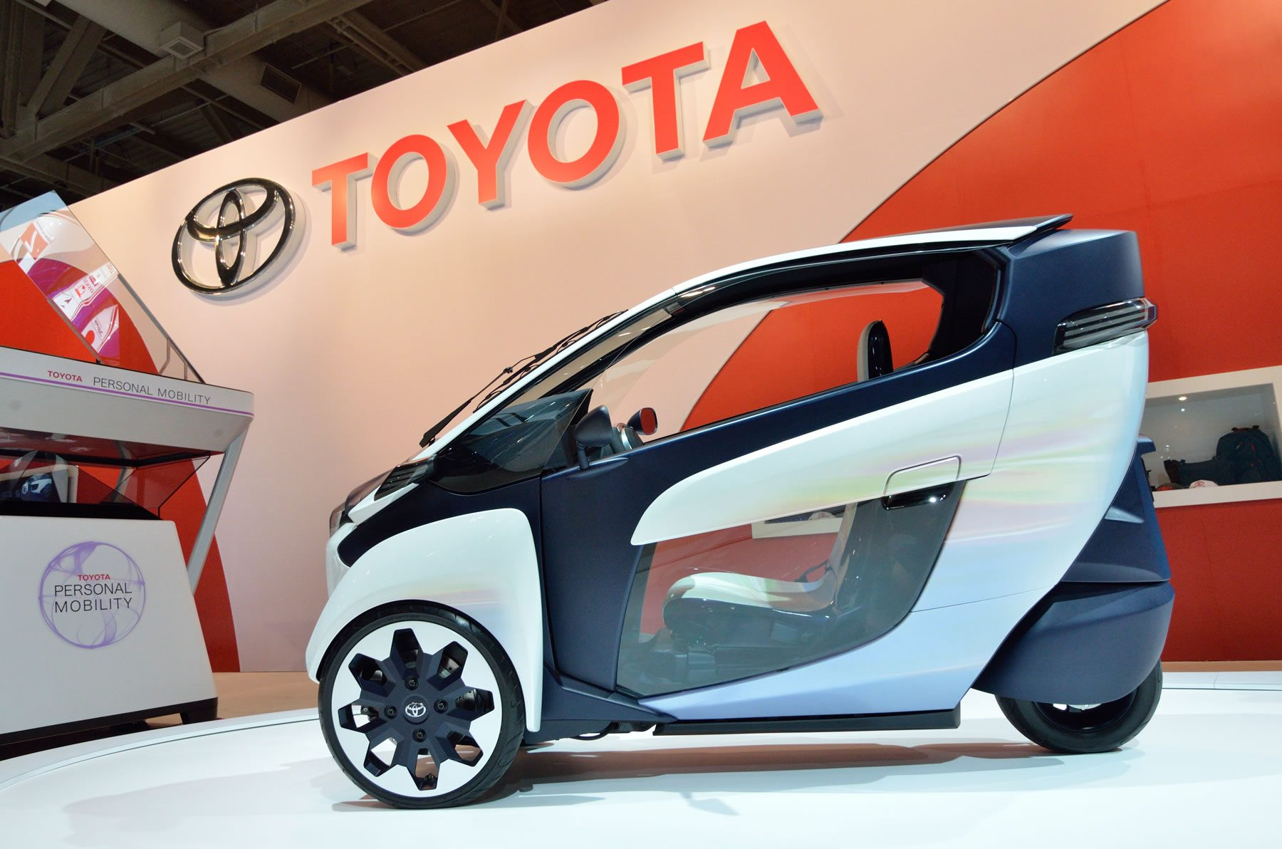 Toyota i-Road at Toronto Auto Show 2015