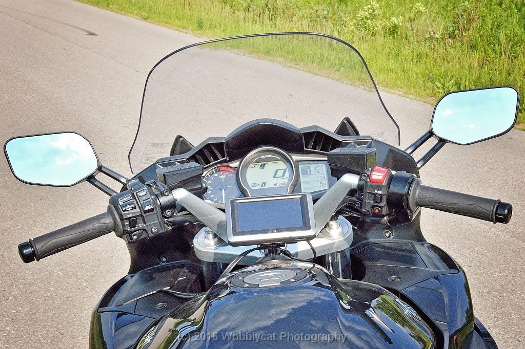 Yamaha FJR1300 Review - dashboard