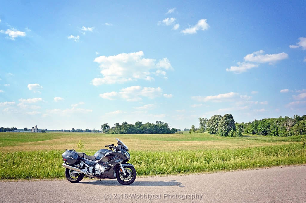 Yamaha FJR1300 Review - side