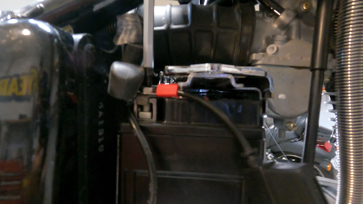 how to install a new motorcycle battery