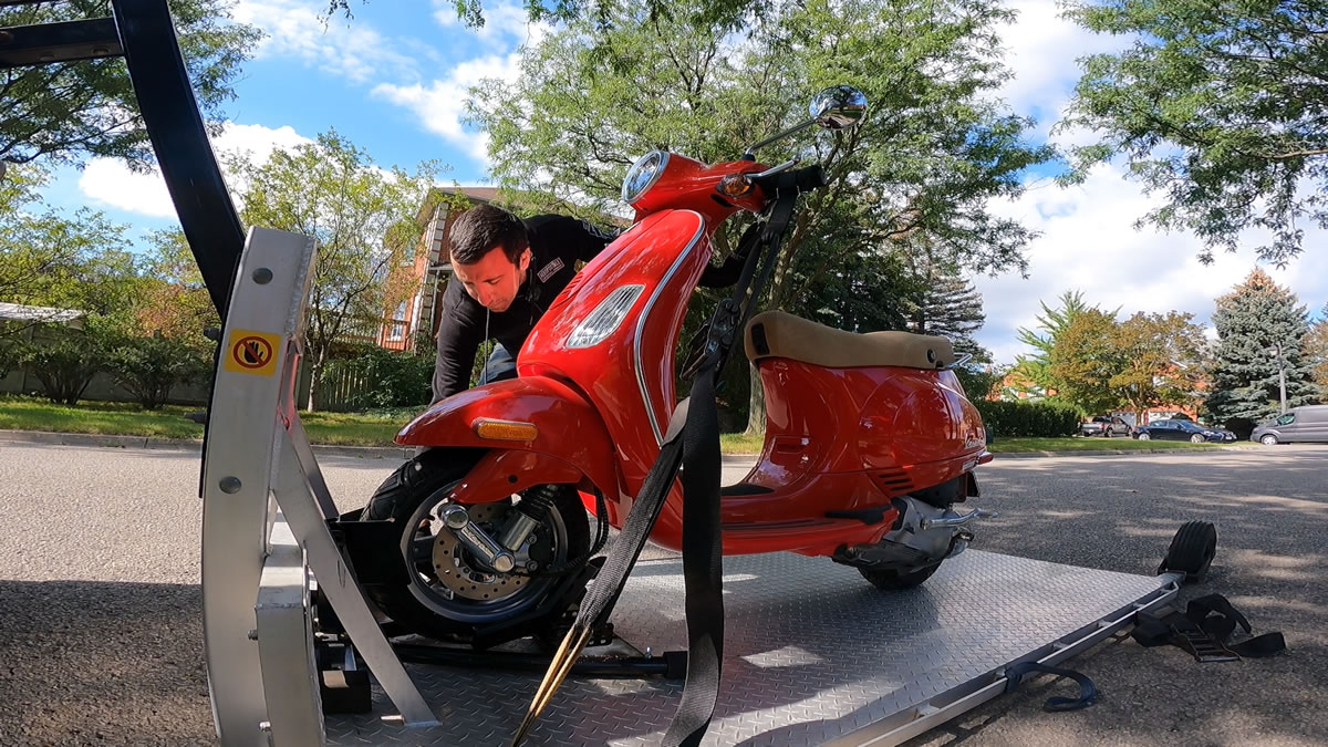 How to strap down a vespa