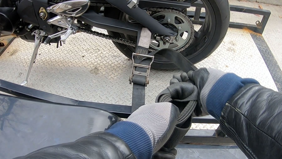 how to tow a triumph street triple - step 4